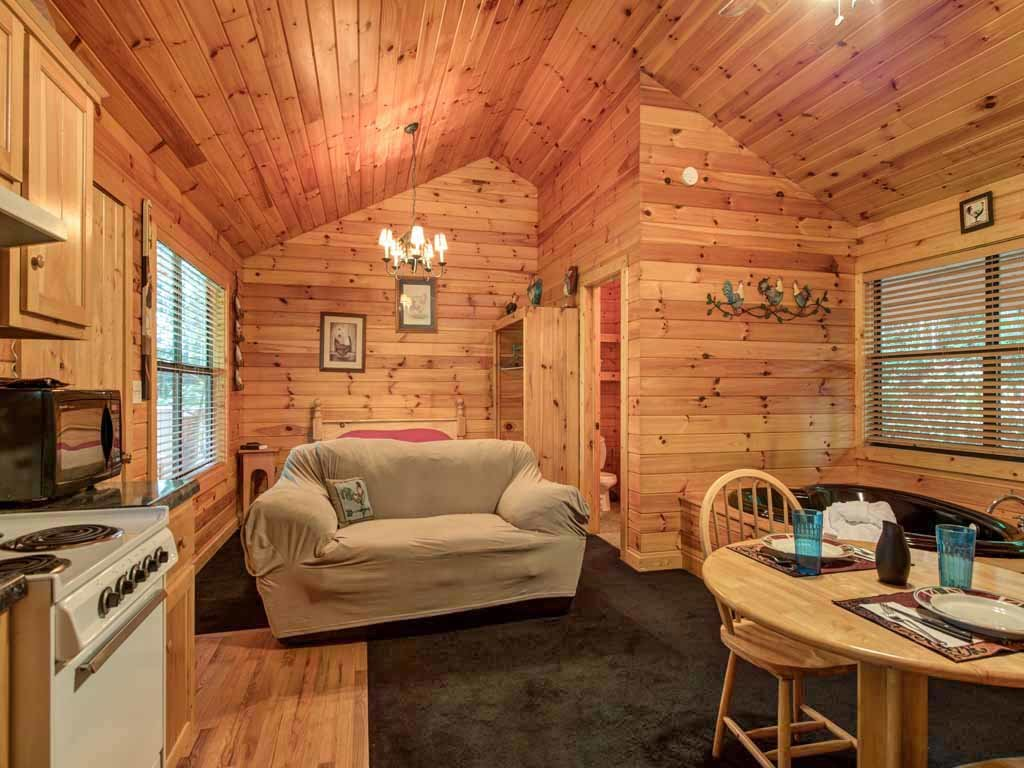 Photo of a Sevierville Cabin named Rooster Way - This is the second photo in the set.