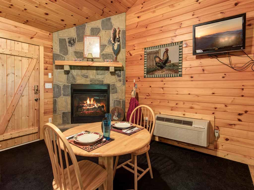Photo of a Sevierville Cabin named Rooster Way - This is the fifth photo in the set.