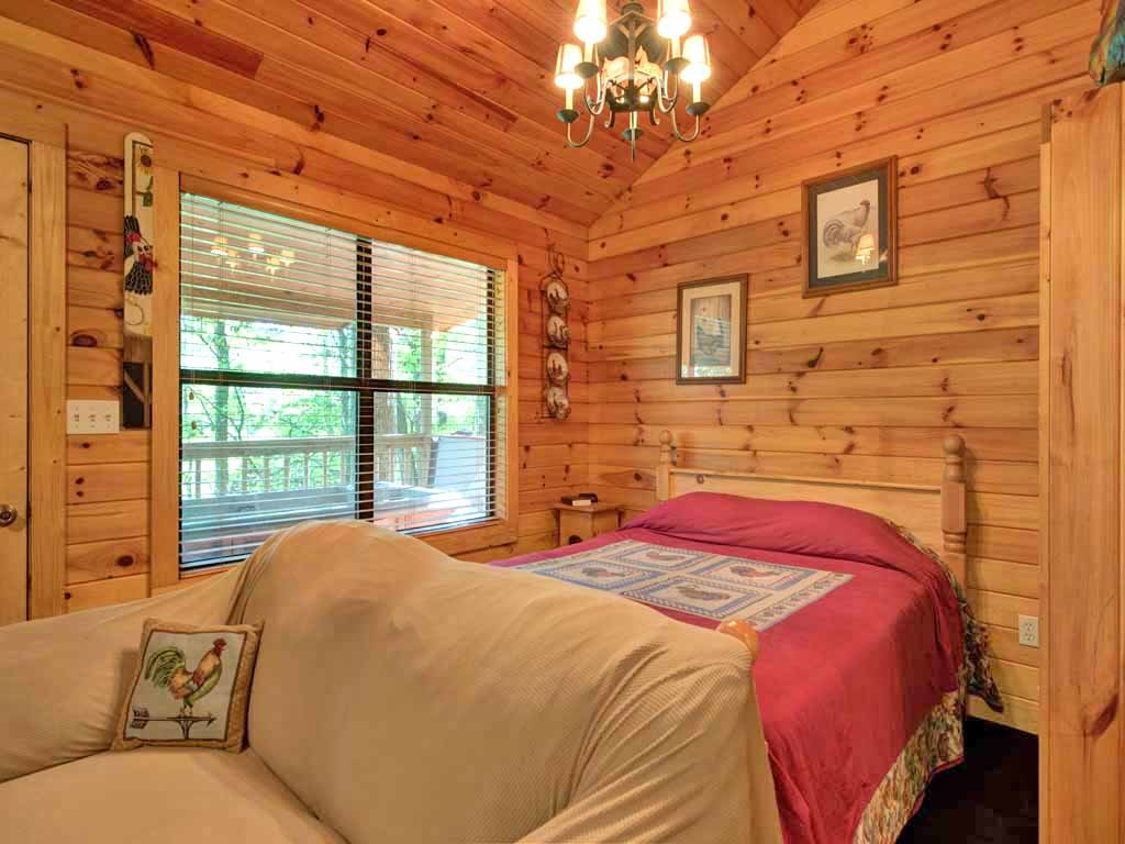 Photo of a Sevierville Cabin named Rooster Way - This is the seventh photo in the set.