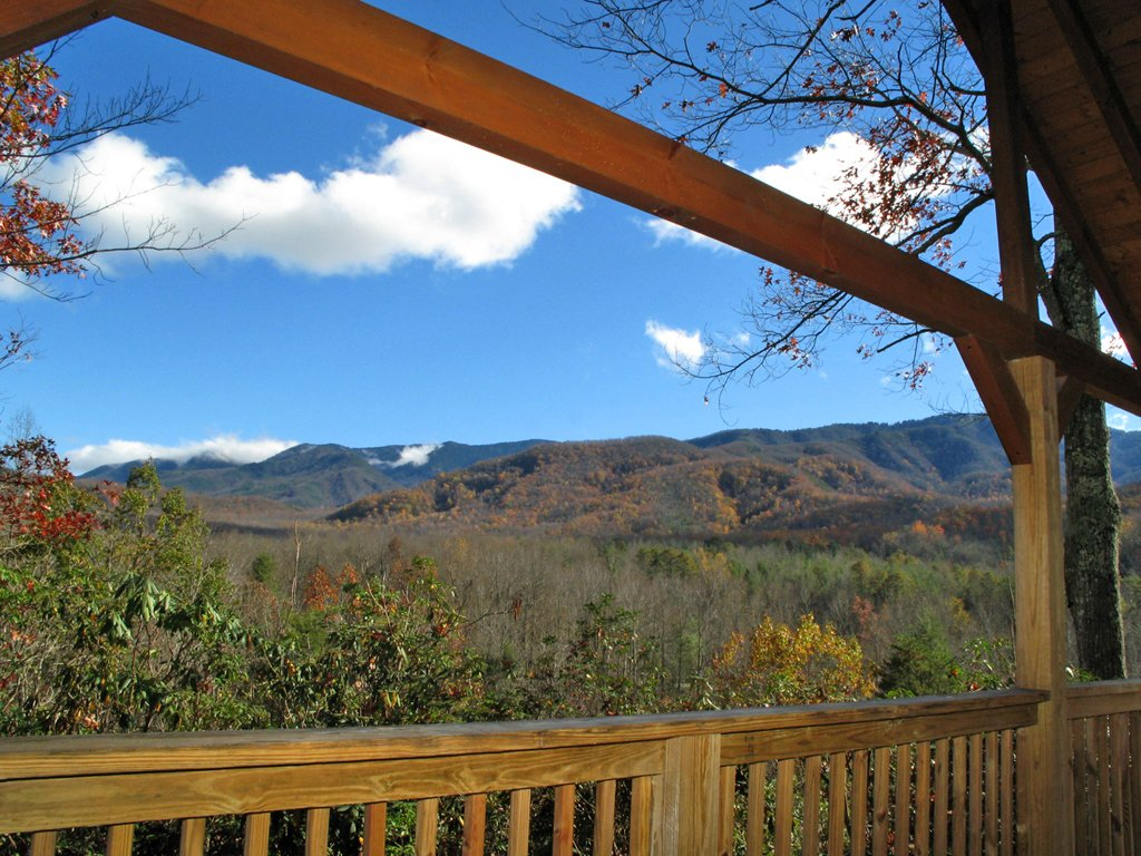 Photo of a Gatlinburg Cabin named Seneca - This is the second photo in the set.