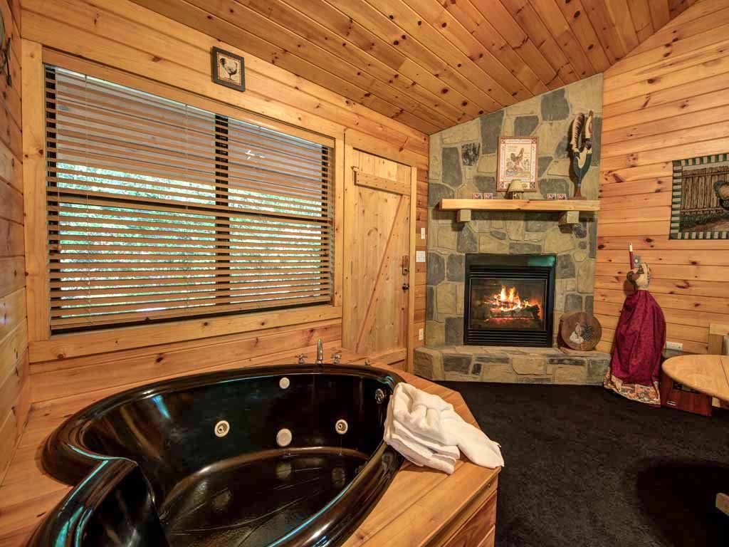 Photo of a Sevierville Cabin named Rooster Way - This is the ninth photo in the set.
