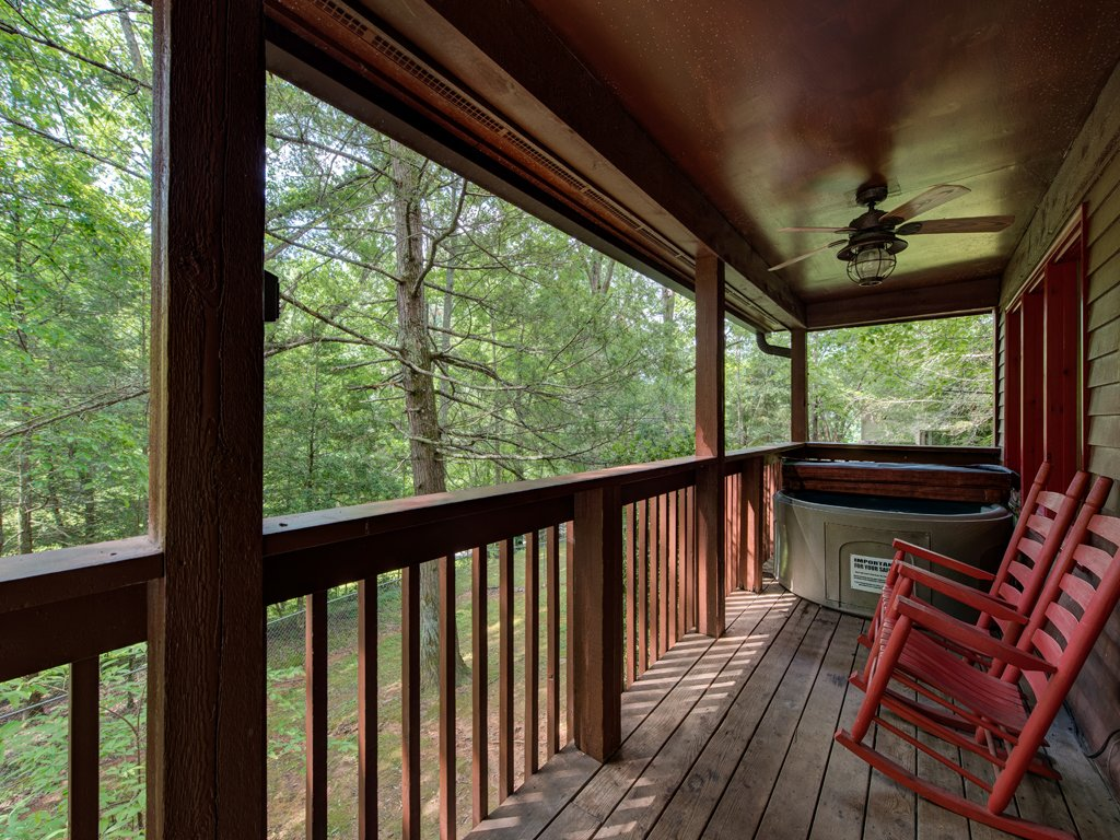 Photo of a Gatlinburg Cabin named Simple Pleasures - This is the sixteenth photo in the set.