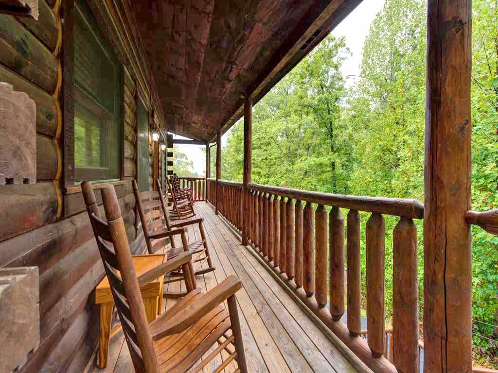 Photo of a Gatlinburg Cabin named Makin Memories - This is the third photo in the set.