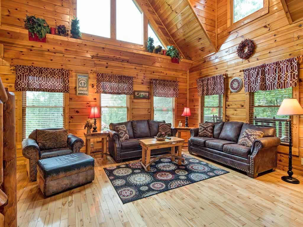 Photo of a Gatlinburg Cabin named Makin Memories - This is the second photo in the set.