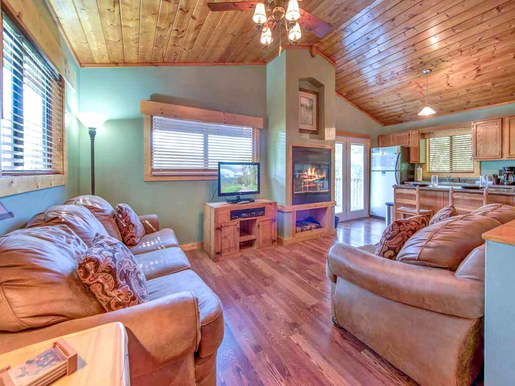 Photo of a Gatlinburg Cabin named Naughty By Nature - This is the first photo in the set.