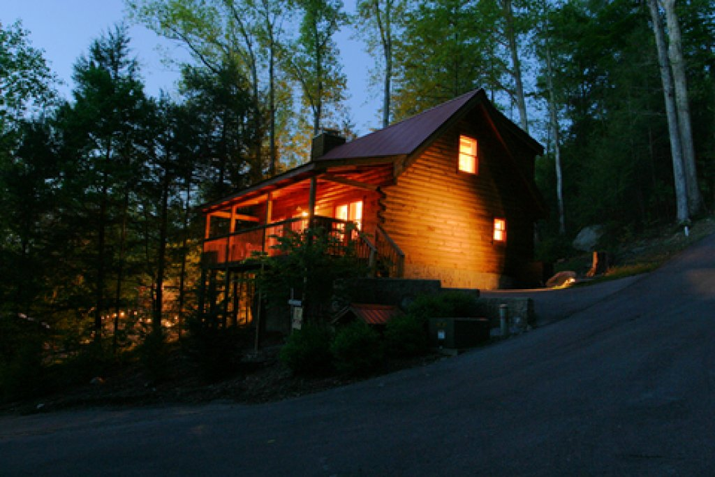 Photo of a Gatlinburg Cabin named Bear's Den - This is the seventeenth photo in the set.