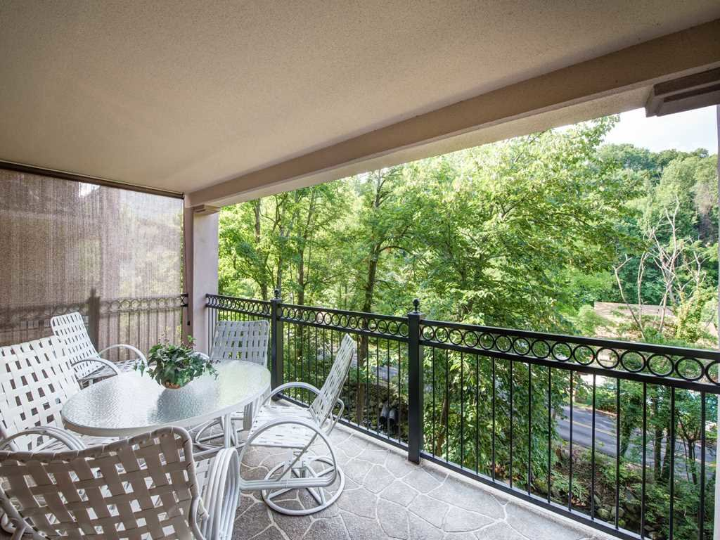 Photo of a Gatlinburg Condo named Roaring Romance - This is the second photo in the set.