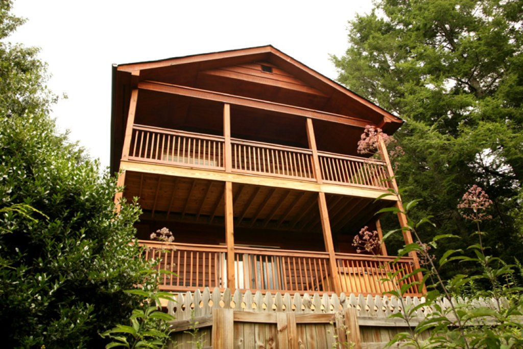 Photo of a Gatlinburg Cabin named Naughty By Nature - This is the eighteenth photo in the set.