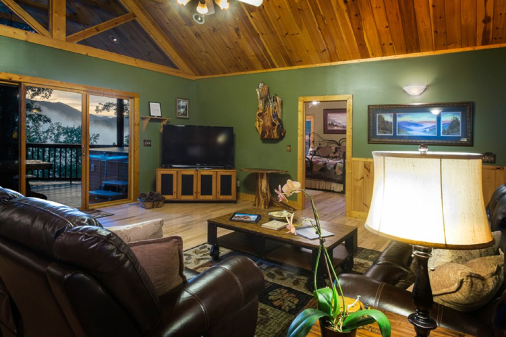 Photo of a Gatlinburg Cabin named Riversound Romance - This is the fifth photo in the set.
