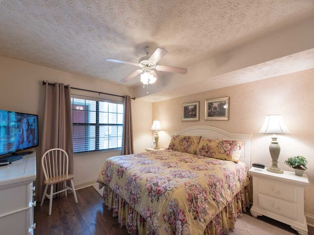 Photo of a Gatlinburg Condo named Roaring Romance - This is the thirteenth photo in the set.