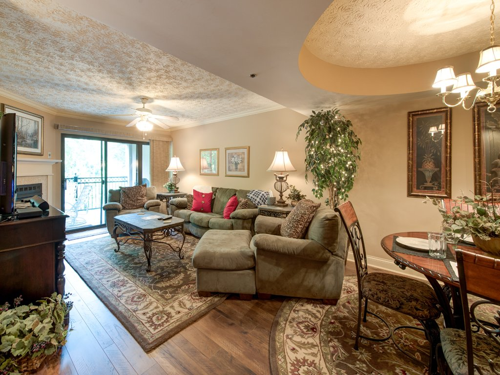 Photo of a Gatlinburg Condo named Roaring Romance - This is the fourth photo in the set.