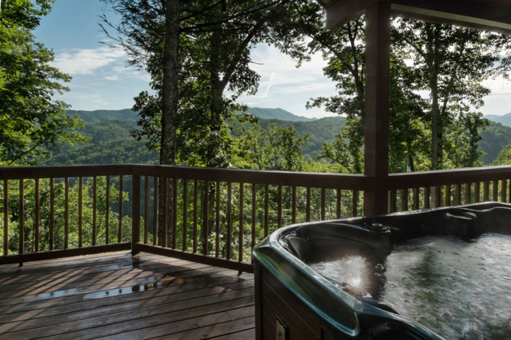 Photo of a Gatlinburg Cabin named Riversound Romance - This is the twenty-fourth photo in the set.
