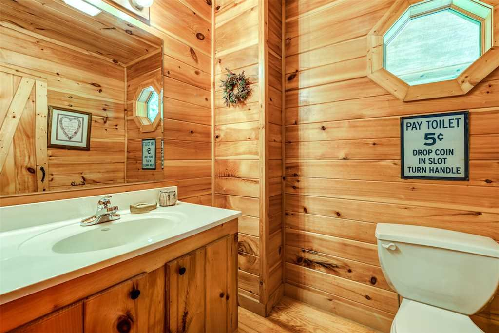 Photo of a Gatlinburg Cabin named To Have And To Hold - This is the eleventh photo in the set.