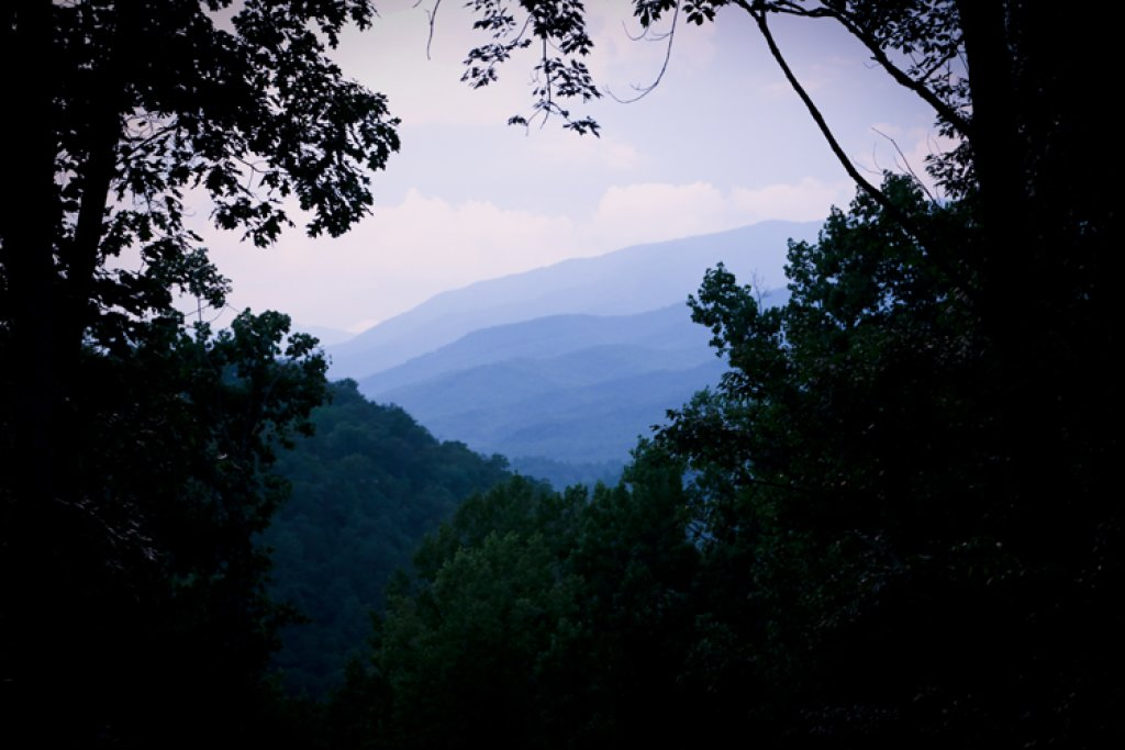 Photo of a Gatlinburg Cabin named Riversound Romance - This is the twenty-second photo in the set.