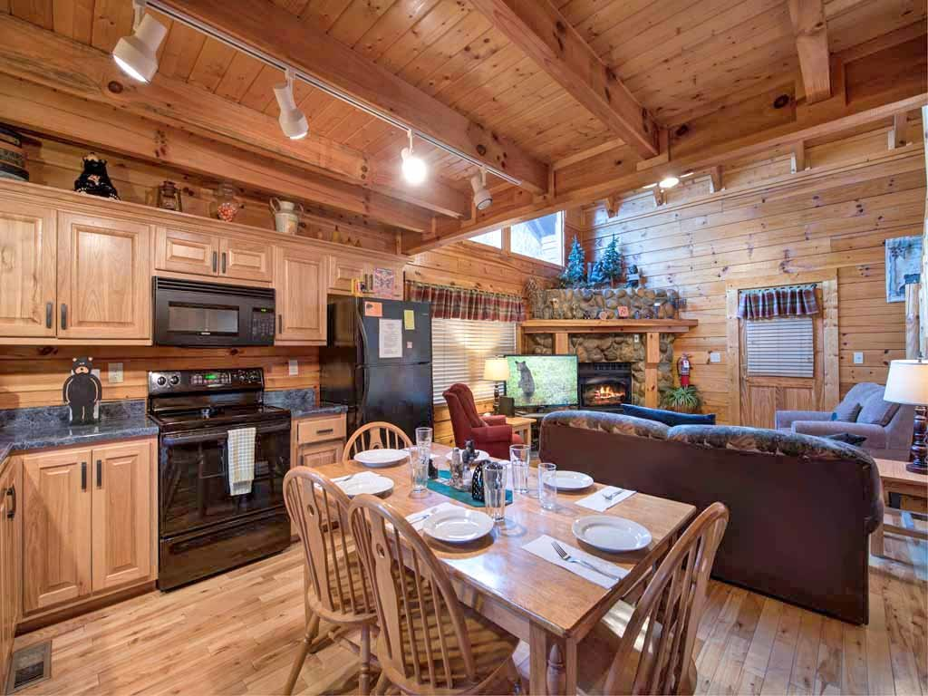 Photo of a Pigeon Forge Cabin named Bear Nook - This is the fourth photo in the set.