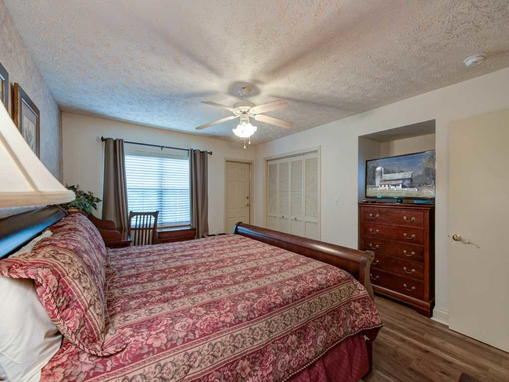 Photo of a Gatlinburg Condo named Roaring Romance - This is the tenth photo in the set.