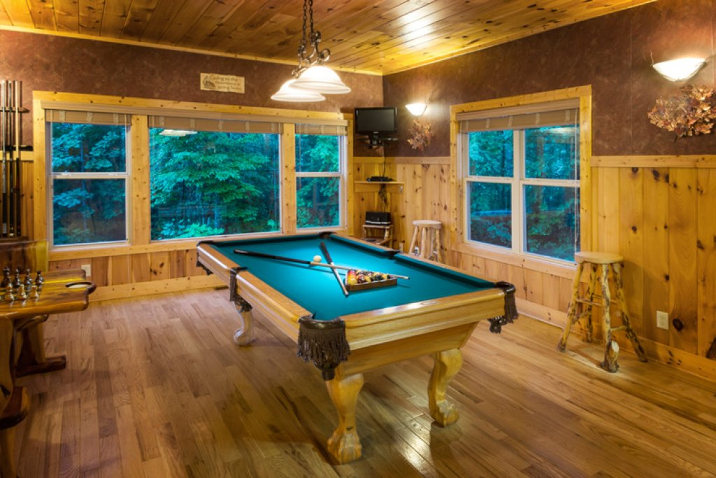 Photo of a Gatlinburg Cabin named Riversound Romance - This is the fourth photo in the set.