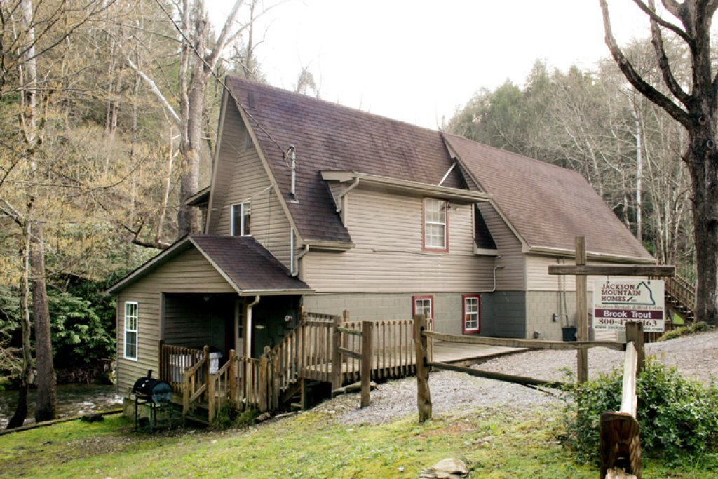 Photo of a Gatlinburg Cabin named Brook Trout Chalet - This is the fourteenth photo in the set.