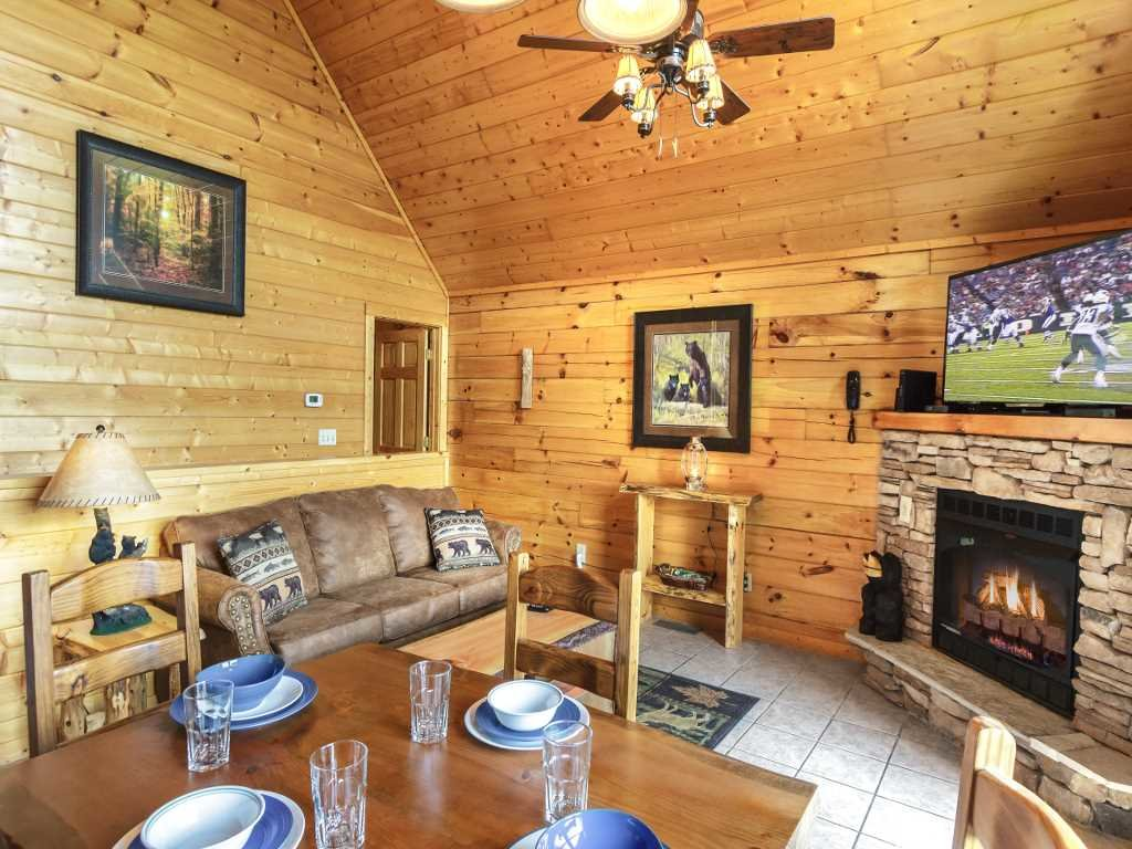 Photo of a Gatlinburg Cabin named Saddle Ridge - This is the fifth photo in the set.