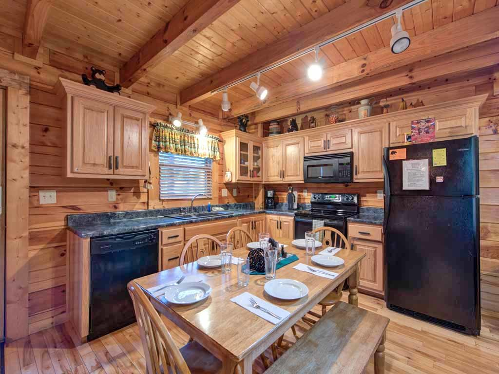 Photo of a Pigeon Forge Cabin named Bear Nook - This is the fifth photo in the set.