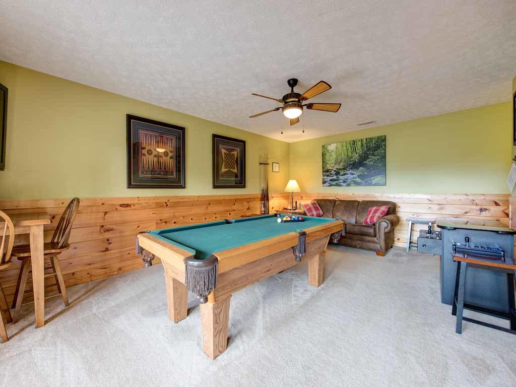 Photo of a Gatlinburg Cabin named Highpoint Escape - This is the tenth photo in the set.