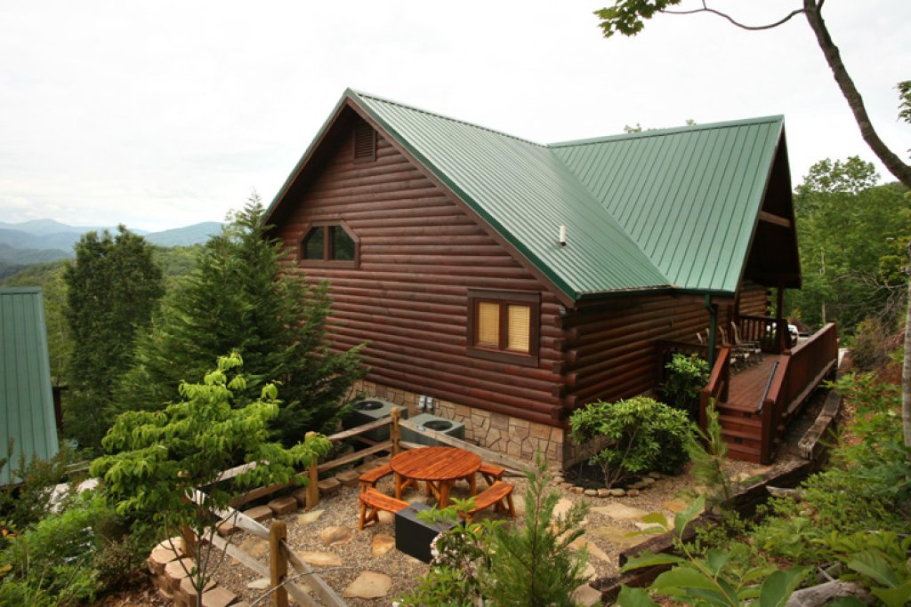 Photo of a Gatlinburg Cabin named Bear Slide - This is the thirtieth photo in the set.