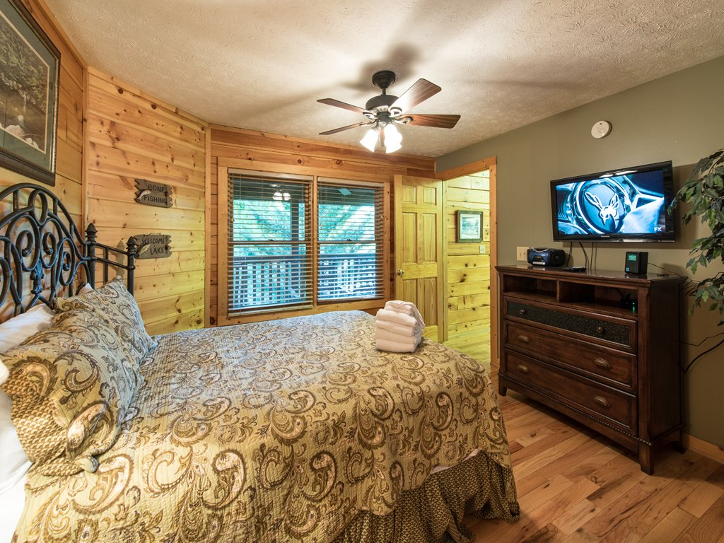 Photo of a Gatlinburg Cabin named Bear's Corner - This is the seventeenth photo in the set.