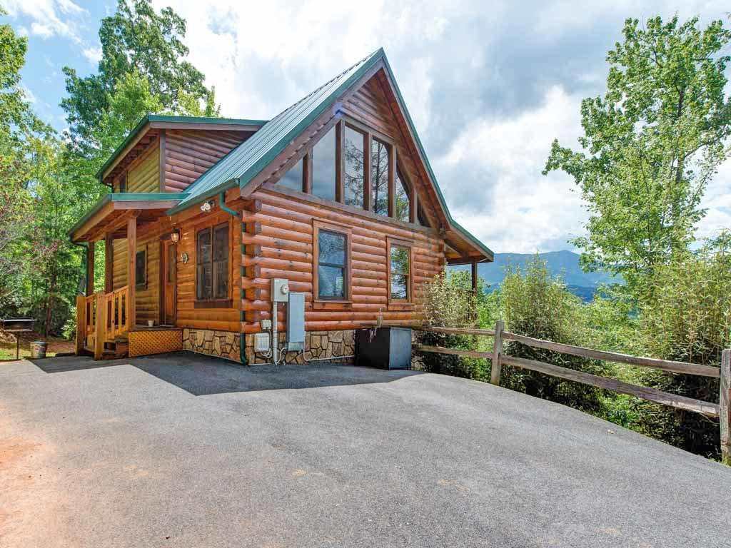 Photo of a Gatlinburg Cabin named Highpoint Escape - This is the twenty-fifth photo in the set.