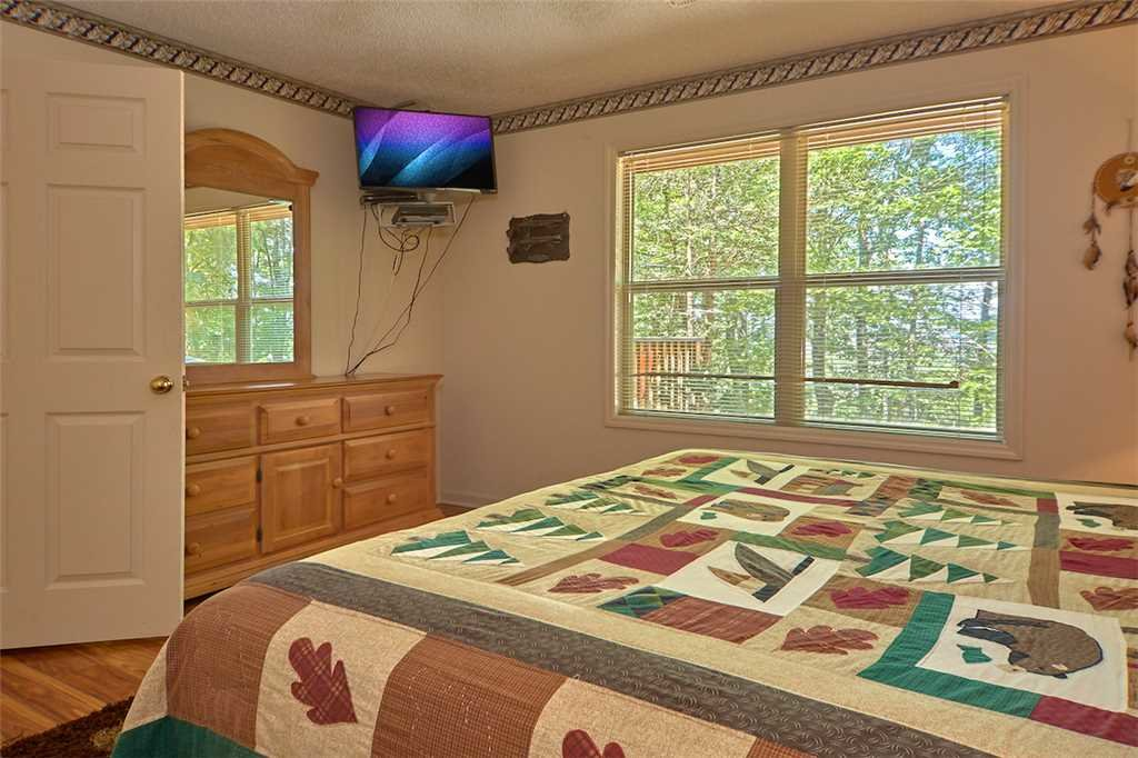Photo of a Gatlinburg Cabin named Mountain Hideaway - This is the eleventh photo in the set.
