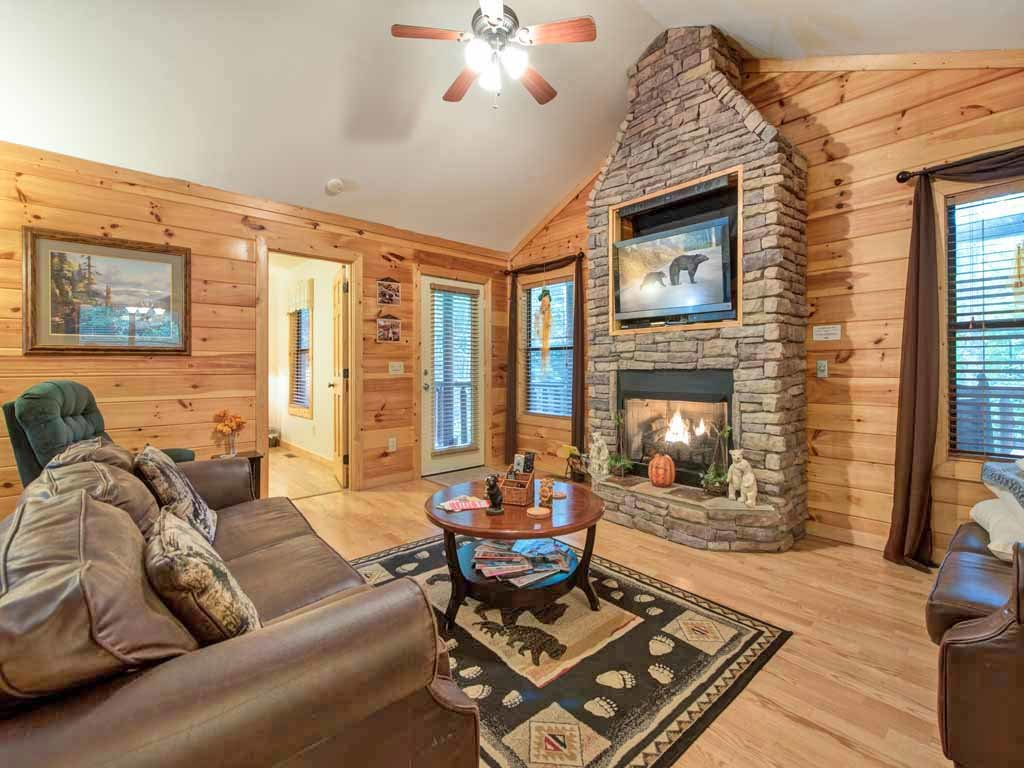 Photo of a Gatlinburg Cabin named Bearfoot Hideaway - This is the first photo in the set.