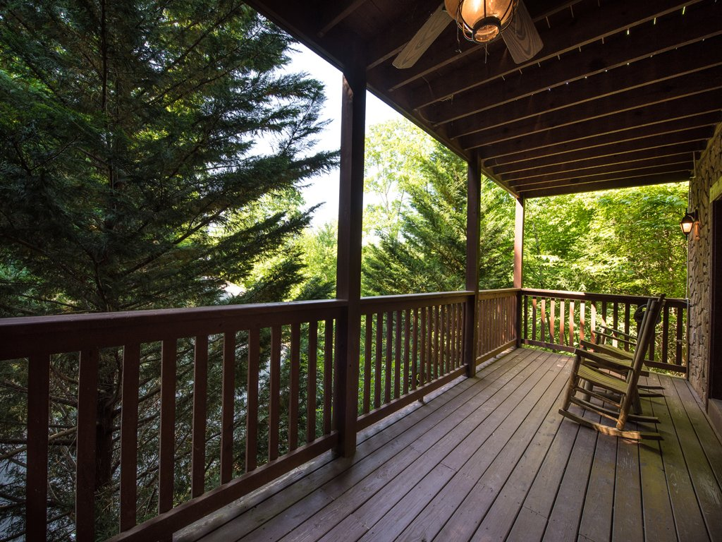 Photo of a Gatlinburg Cabin named Bear's Corner - This is the nineteenth photo in the set.