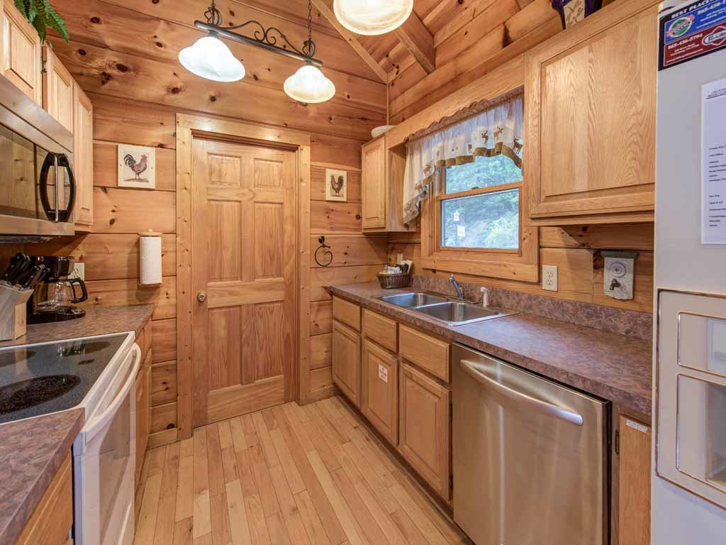 Photo of a Gatlinburg Cabin named Appalachian Lodge - This is the eighth photo in the set.