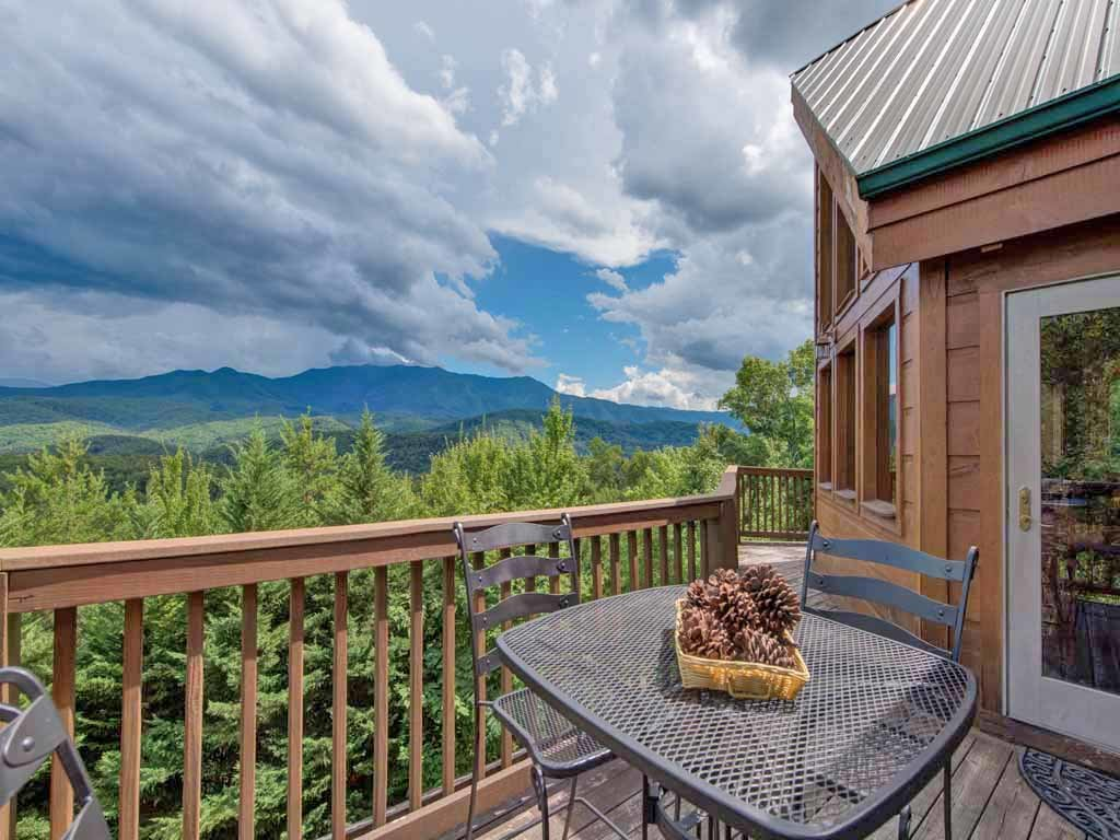 Photo of a Gatlinburg Cabin named Appalachian Lodge - This is the fourth photo in the set.