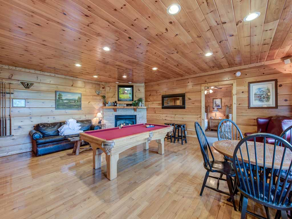 Photo of a Gatlinburg Cabin named Appalachian Lodge - This is the tenth photo in the set.