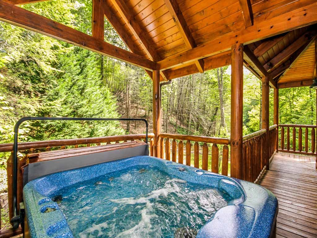 Photo of a Gatlinburg Cabin named Bearfoot Hideaway - This is the second photo in the set.
