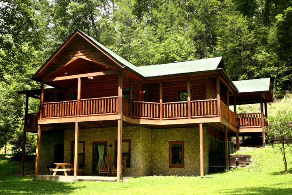 Photo of a Gatlinburg Cabin named Bearfoot Hideaway - This is the twenty-third photo in the set.