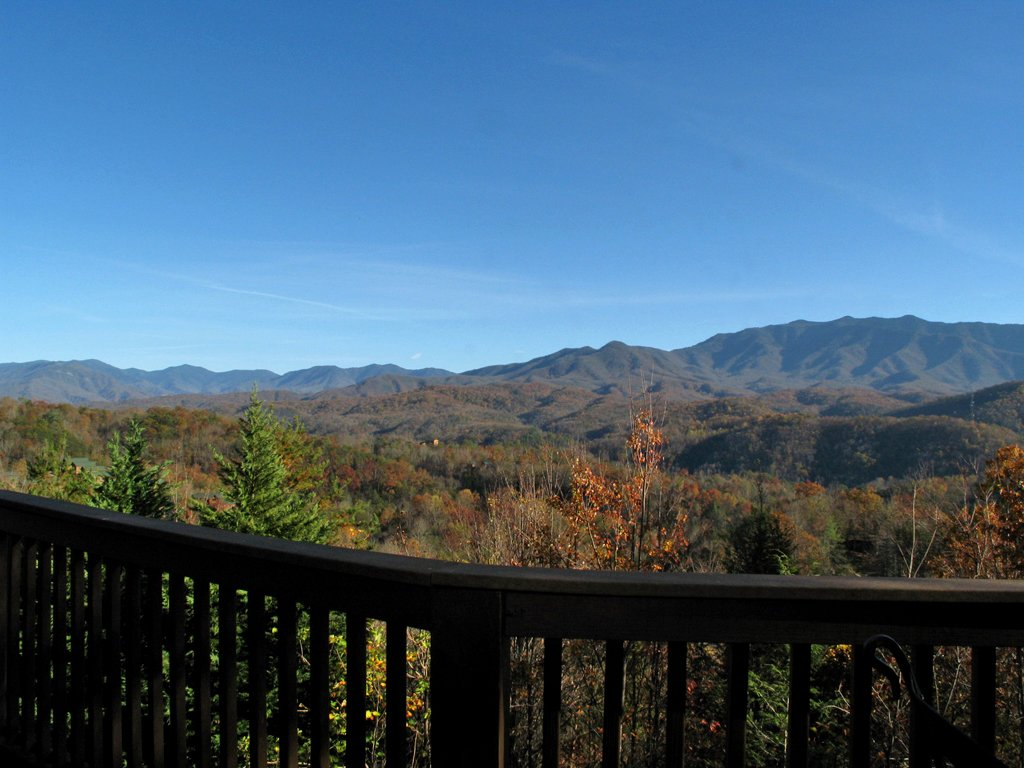 Photo of a Gatlinburg Cabin named Appalachian Lodge - This is the sixteenth photo in the set.