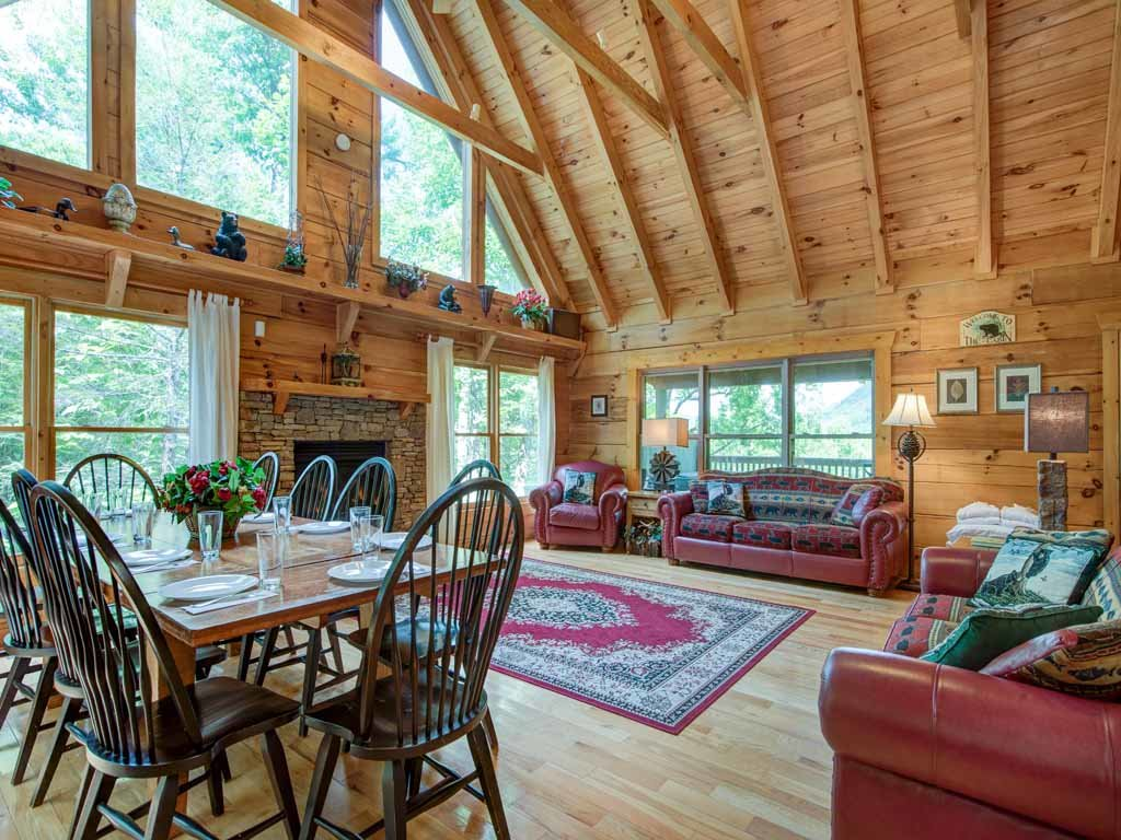 Photo of a Gatlinburg Cabin named Cozy Bear Lodge - This is the first photo in the set.