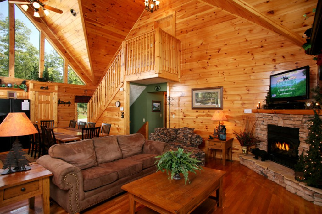 Photo of a Gatlinburg Cabin named Gatlinburg Getaway - This is the fourth photo in the set.