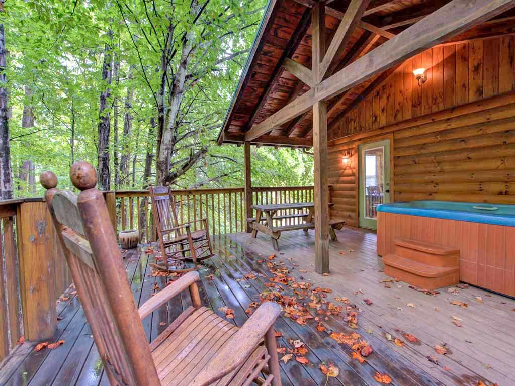 Photo of a Gatlinburg Cabin named Homespun Hospitality - This is the second photo in the set.