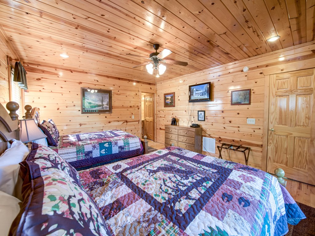 Photo of a Gatlinburg Cabin named Smoky Ridge View - This is the fifteenth photo in the set.