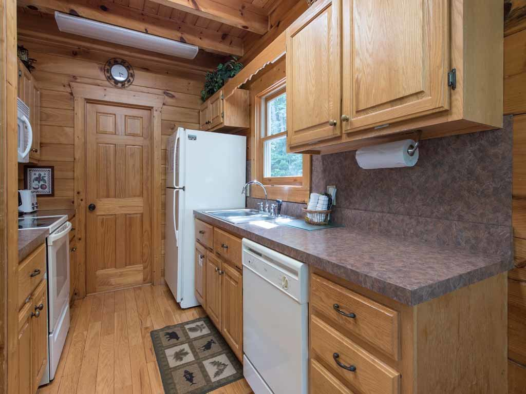 Photo of a Gatlinburg Cabin named Cozy Bear Lodge - This is the seventh photo in the set.