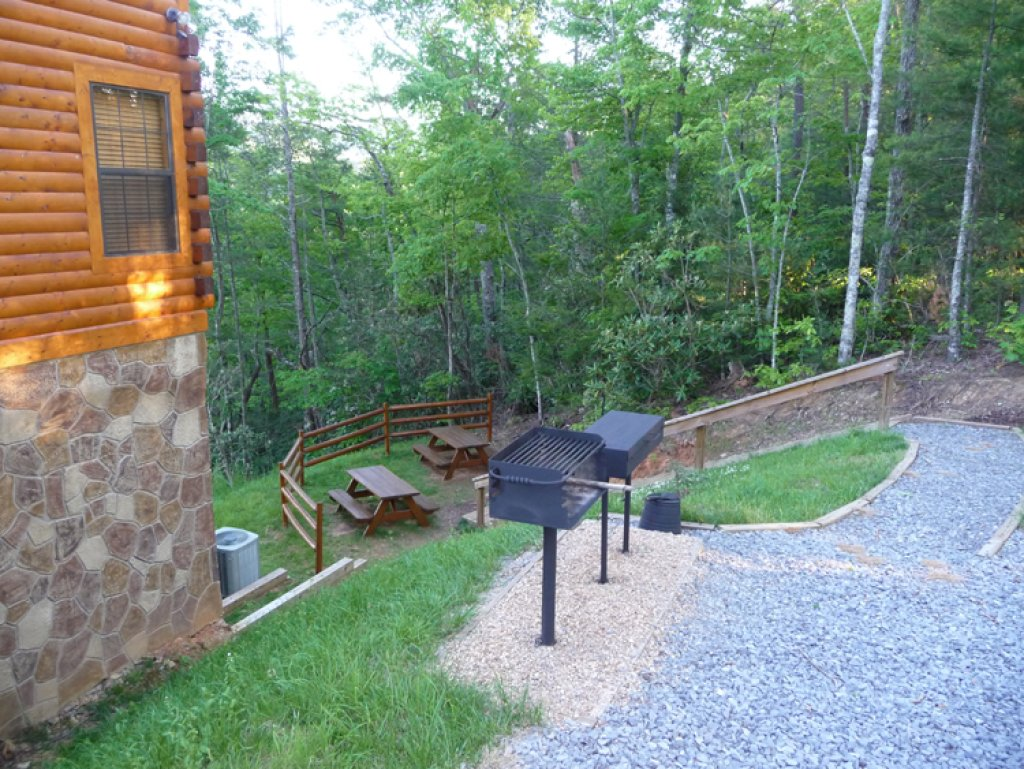 Photo of a Gatlinburg Cabin named Bear's Eye View - This is the twenty-sixth photo in the set.