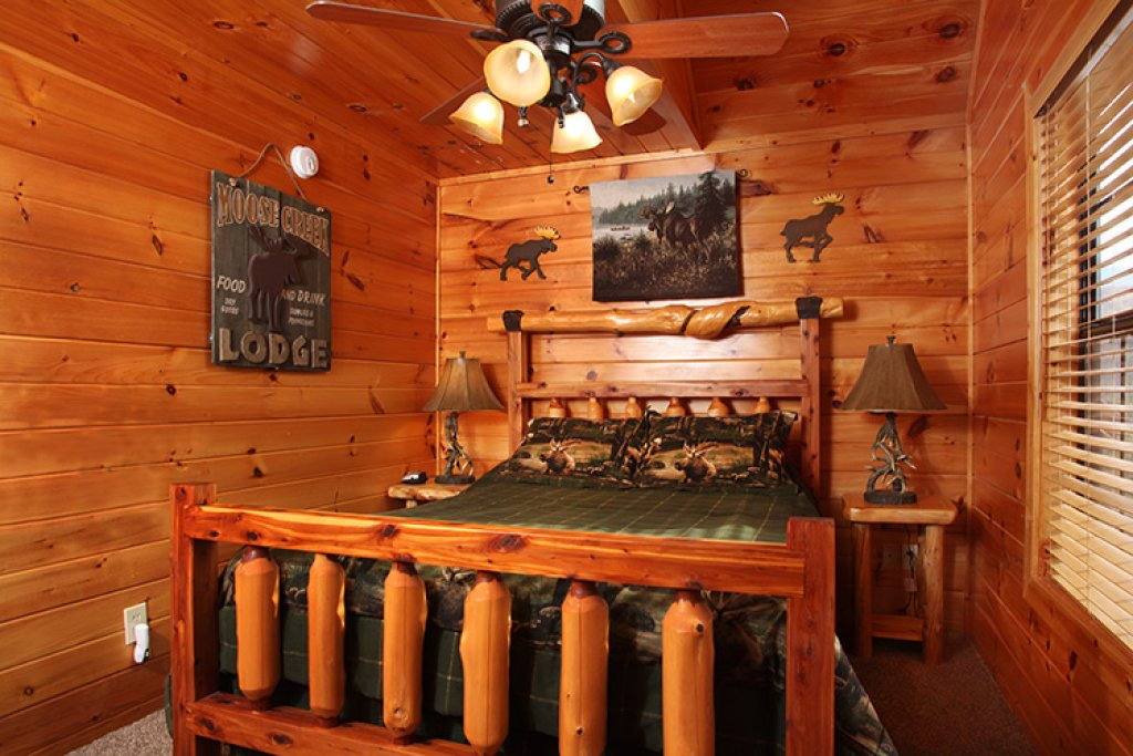 Photo of a Gatlinburg Cabin named Bear's Eye View - This is the twelfth photo in the set.