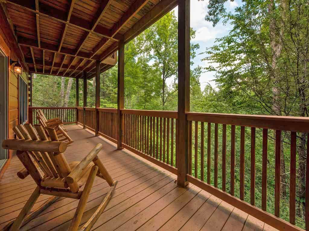 Photo of a Gatlinburg Cabin named Cozy Bear Lodge - This is the twentieth photo in the set.