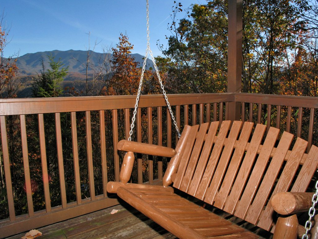 Photo of a Gatlinburg Cabin named Appalachian Lodge - This is the twenty-fourth photo in the set.