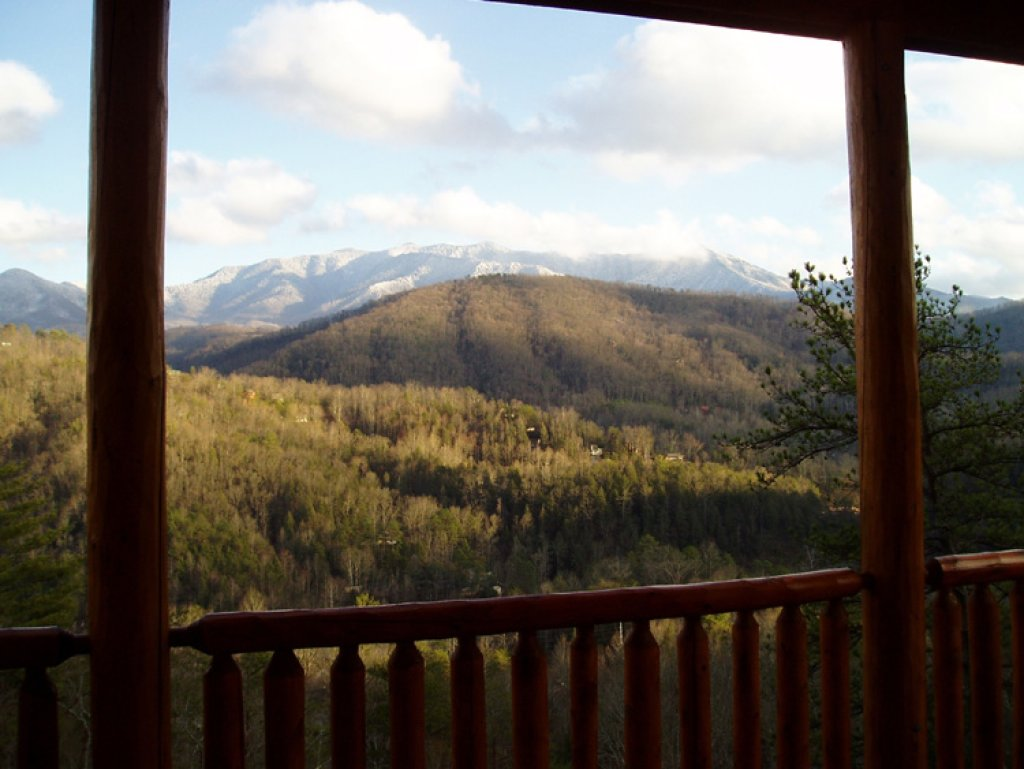 Photo of a Gatlinburg Cabin named Bear's Eye View - This is the twenty-fifth photo in the set.