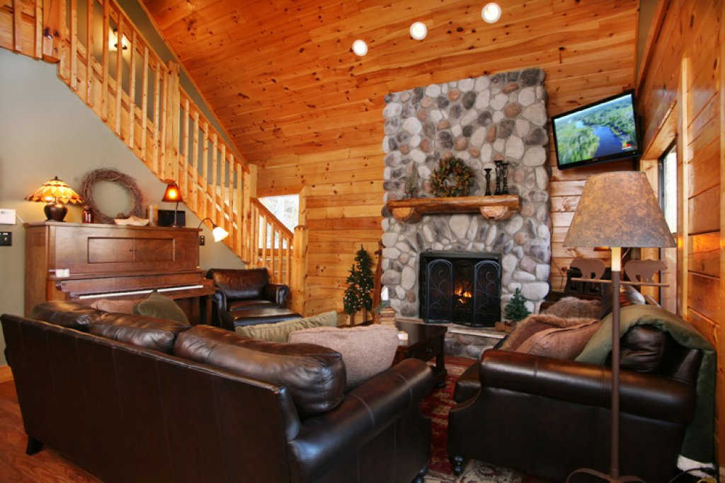 Photo of a Gatlinburg Cabin named Stonebrook Lodge - This is the fourth photo in the set.