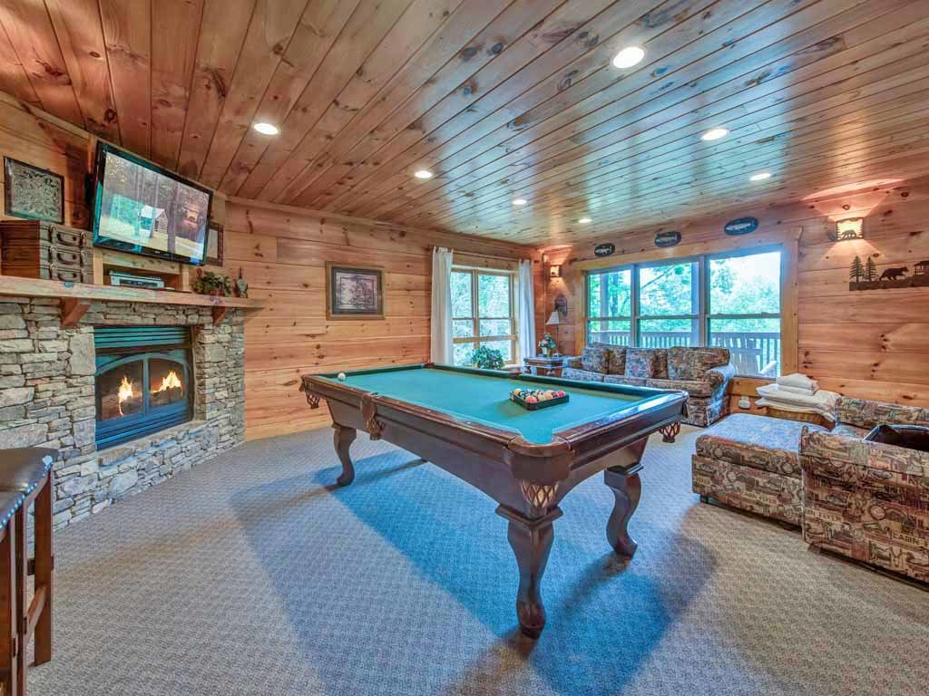 Photo of a Gatlinburg Cabin named Cozy Bear Lodge - This is the eighth photo in the set.