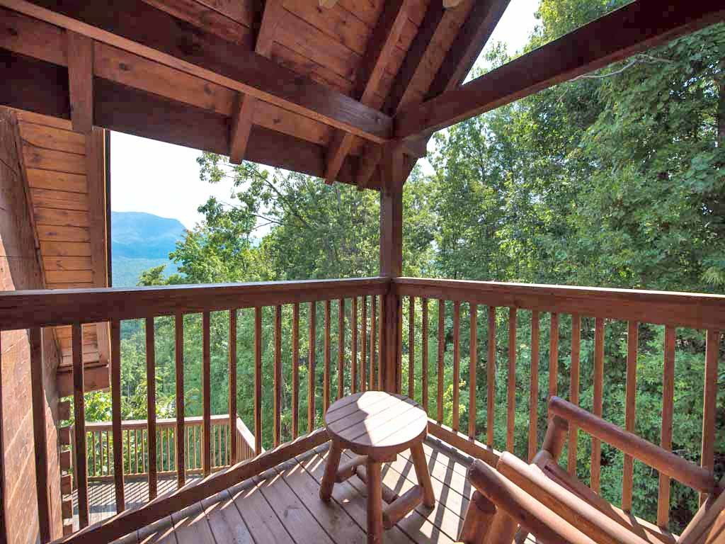Photo of a Gatlinburg Cabin named Papa Bear's Lodge - This is the eighteenth photo in the set.